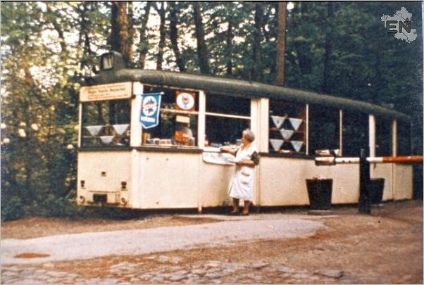 18-TW107-KioskPlessen-1965