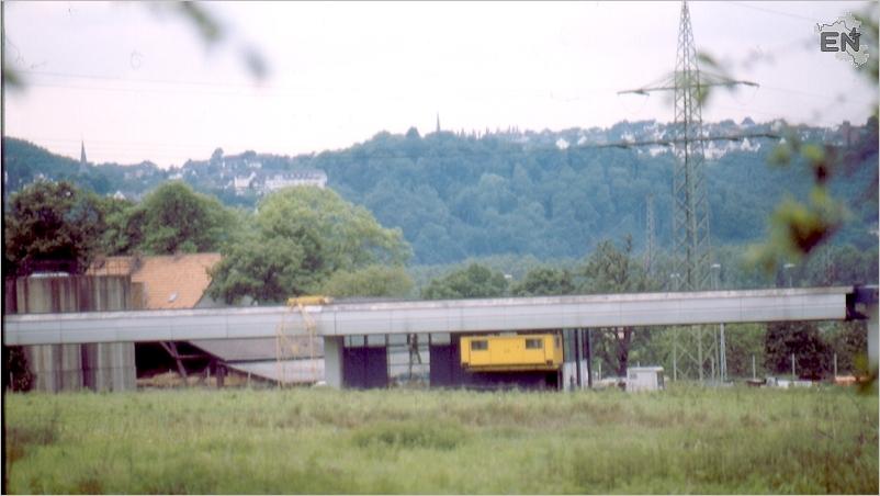 19-AV-19810526_2